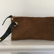 product-lucky_wristlet-calf